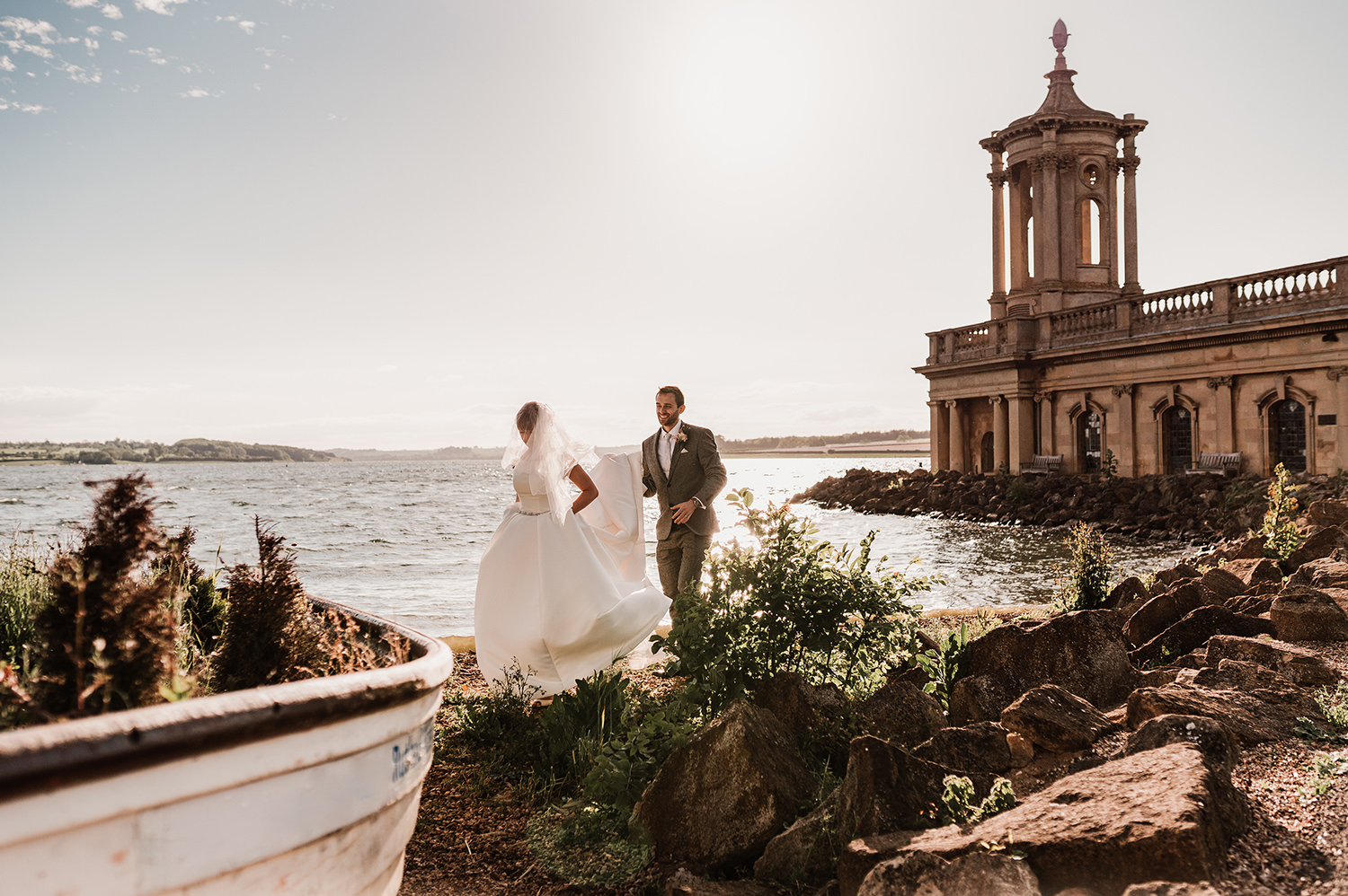 A Rustic, Relaxed Wedding on Rutland Water